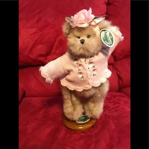 The Bearington Collection name is Bethany Bloom